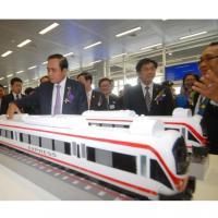 28 ก.ค.ชี้ชะตารถไฟไทย จีน บีบลดค่าก่อสร้าง-จ้างที่ปรึกษา