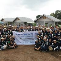 """อนันดาฯ ร่วมกับ ฮาบิแทต ชวนพันธมิตรและพนักงานยกทีมร่วมสร้างบ้าน ในโครงการ Give home Give Hug @ Kanchanaburi"""""""