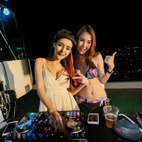 White Cloud Pool Party ที่ IDEO THA PHRA INTERCHANGE ปาร์ตี้วิว Rooftop