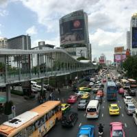 เปิดแล้ว! สะพานทางเชื่อม Bangkok Skyline