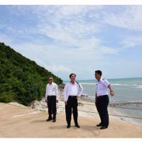 อาคม สำรวจพื้นที่ แหลมหินคม จุดสร้างท่าเทียบเรือครุยส์เกาะสมุยเสริมท่องเที่ยวอ่าวไทย