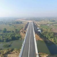 พรุ่งนี้ ไทย-เมียนมา เทคอนกรีตเชื่อมสะพานเมยแห่งที่ 2 แก้คอขวดการค้าด่านแม่สอด เปิดใช้เม.ย.62