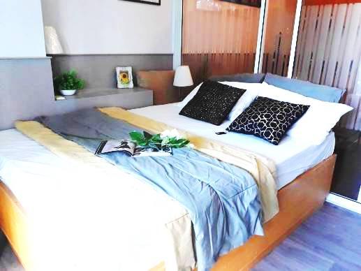 เช่าคอนโดนานา : ๊Urgent rent/Sale!! Trendy Condo 1 Bedroom + Big Balcony High Floor , Very nice decoration
