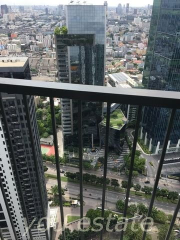 For sale โนเบิลรีวอลฟ์ 2 bed 40 fl Noble Revolve Ratchada