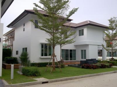 เช่าบ้านลาดกระบัง สุวรรณภูมิ : RH072ให้เช่่าบ้านเดี่ยวเนอวานา พระรามเก้า แอร์พอร์ตลิ้งค์ บ้านทับช้าง