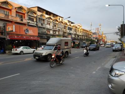 เช่าที่ดินบางใหญ่ บางบัวทอง ไทรน้อย : ให้เช่าที่ดินติดถนนใหญ่วัดลาดปลาดุก (4 เลน) 5 ไร่ 1 งาน 4 ตรวา ใกล้แหล่งชุมชน