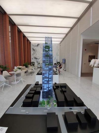 ขายดาวน์คอนโดสาทร นราธิวาส : tait12 sathon12 ห้อง 2 bed ชั้นพิเศษ sky garden floor เพดาน 3.2 เมตร ระเบียงโล่ง ติดสวน ห้องมุม วิว 3 ด้าน เลี้ยงสัตว์ได้ราคาตามหน้าสัญญารอบแรก vvip