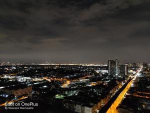 For RentCondoSamrong, Samut Prakan : The Metropolis: Smart Life Smart Decision only 0 m.from Samrong bts. 15 minute  to Thonglor