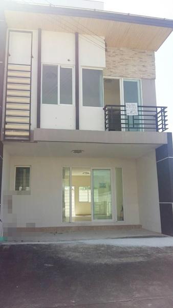 For RentHouseRama 2, Bang Khun Thian : House for rent in Bang Khun Thian, Gusto University, Bang Khun Thian - Rama 2. Soi Wat Hua Krabue, area 34 sqw., 4 bedrooms, 3 bathrooms, rent 10,000 baht.