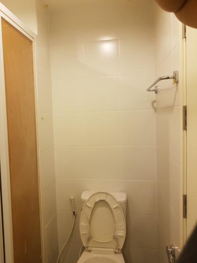 ขายคอนโดรัตนาธิเบศร์ สนามบินน้ำ : ขาย 1 ห้องนอนชั้้นบนสุด ห้องใหม่ ไม่เคยเข้าอยู่