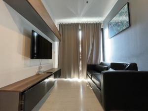 For RentCondoRama9, RCA, Petchaburi : *** For rent 1 bed room FL21 35 sqm special rate***