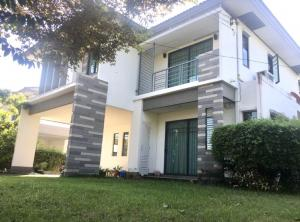 For SaleHouseNawamin, Ramindra : (Sale by Owner) Urgent Sale! Habitia Panya Indra 2 House for Sale In Soi Safari Zoo, 3 bedrooms, 3 bathrooms, 117.50 sq.m .. Ban Mum The lawn area is very wide. Type Type, the largest house in the project Beautiful area 197 sqm. The lawn is wide, with lot