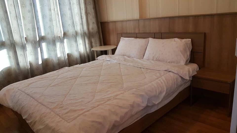 เช่าคอนโดพระราม 9 เพชรบุรีตัดใหม่ : ให้เช่า คอนโด ลุมพินีเพลสพระราม 9 รัชดา ขนาด 35 ตร.ม 1ห้องนอน 1ห้องน้ำ อาคารดี ชั้น15+ ราคา 15,000/เดือน contact : 095-9571441
