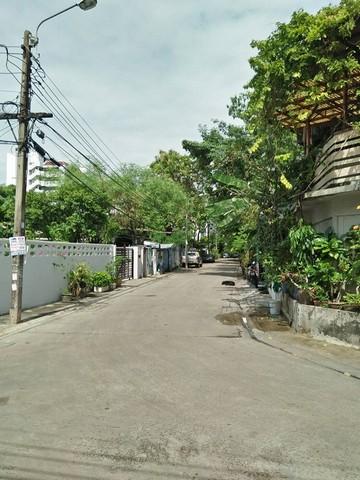 For SaleLandPattanakan, Srinakarin : Land for sale Soi Phatthanakan 50, Housing City Village 3, near Airport Link Hua Mak Station