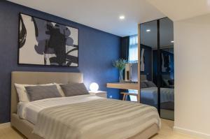 ขายคอนโดแจ้งวัฒนะ เมืองทอง : The Lake Condominium Full Facilities คอนโด 2 ห้องนอน ห้องใหญ่พิเศษ เปิดชมห้องตัวอย่างใหม่ Private Room ค่าส่วนกลางเพียง 22 บาท / ตร.ม