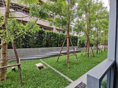 ขายดาวน์คอนโดสุขุมวิท อโศก ทองหล่อ : ขาย taka haus 1 Br. Private Garden Access  Rare Unit