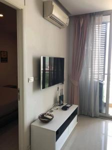 เช่าคอนโดพระราม 9 เพชรบุรีตัดใหม่ : ให้เช่า คอนโด Tc green rama9 อาคารเอ ขนาด39 ตร.ม 1ห้องนอน 1ห้องน้ำ ราคา 17,000/เดือน Contact : 095-9571441