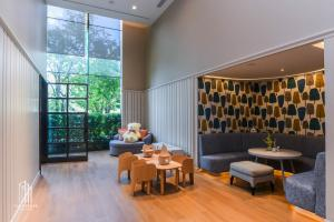 For SaleCondoWongwianyai, Charoennakor : Condo for SALE *** Magnolias Waterfront Residences ICONSIAM *** The best of luxury projects on a location that will be a new landmark in Thailand @ 28 MB