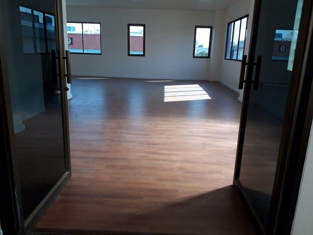 For RentWarehouseOnnut, Udomsuk : Office for rent with warehouse near BTS Punnawithi with lift