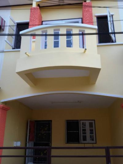 For RentTownhouseBang kae, Phetkasem : New townhouse for rent, 2 floors, 2 bedrooms, 2 bathrooms, near The Mall Bang Khae. Contact 095-5699074
