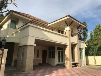 For RentHouseRamkhamhaeng Nida, Seri Thai : 2 storey detached house for rent, Ramintra-Suan Siam area, suitable for residence or office.