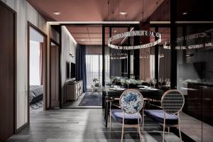 Sale DownCondoRama9, RCA, Petchaburi : Sell 2Bedroom 2Bathroom Life Asoke Hype , The Widest Corridor Room Type , Rare Room for Foreign Quata