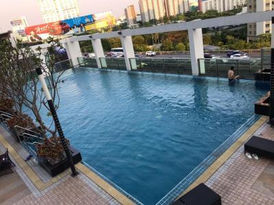 เช่าคอนโดพระราม 9 เพชรบุรีตัดใหม่ : ให้เช่าคอนโด TC Green 1Bedroom 40sqm. 18,500 บาท วิวสระว่ายน้ำ ห้องใหญ่ วิวสวนสวย ไม่บล็อกวิว