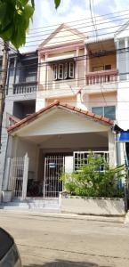 For SaleTownhouseLadprao101, Happy Land, The Mall Bang Kapi : 3-storey townhouse for sale, area 22 sq m., 4 bedrooms, 3 bathrooms, 1 kitchen, Sinthani Villa Nawamin.