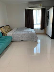 For SaleCondoLadkrabang, Suwannaphum Airport : ขายห้องมุม! คอนโด ไอริส แอเวนิว อ่อนนุช-วงแหวน ลาดกระบัง สุวรรณภูมิ  IRIS AVENUE ONNUCH LAT KRABANG SUVARNABHUMI  ห้องสตูดิโอ ขนาด 28 ตารางเมตร ห้องใหม่