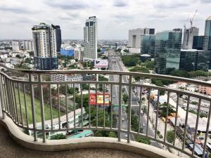 For SaleCondoKasetsart, Ratchayothin : Cheap sale !! Condo Supalai Park Ratchayothin, Supalai Ratchayothin, 2 bedrooms, 2 bathrooms, 79 sqm, 27th floor, near Central Ladprao, MRT Phahonyothin