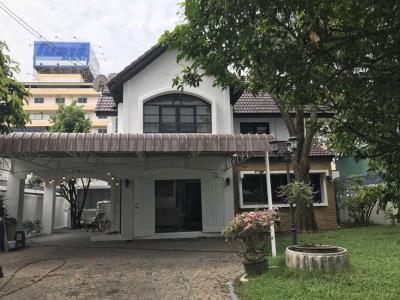 For SaleHouseRatchadapisek, Huaikwang, Suttisan : KO081 2 storey detached house for sale 116 square wah, Soi Soonvijai 14, near Bangkok Hospital