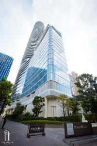 For SaleCondoWitthayu, Chidlom, Langsuan, Ploenchit : Condo for SALE *** Magnolias Ratchadamri Boulevard, high floor 40+, experience living in the heart of the city @26.67 MB All in