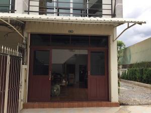 ขายถูก บ้าน 4 ชั้น มีดาดฟ้า ต่อเติมทำห้องเรียบร้อย เหมาะทำออฟฟิต อ.เมือง จ. นนทบุรี