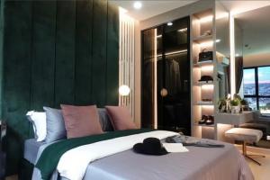 Sale DownCondoWongwianyai, Charoennakor : Selling down payment (at cost)!! Size 54.5 sqm., 2 bedroom, best location, Supalai Loft Prachadhipok-Wongwian Yai, Icon Siam view