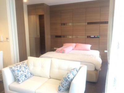 Nara9 condo for Rent near BTS Chongnonsi