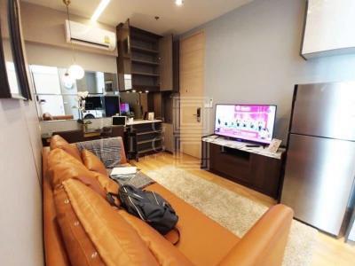 เช่าคอนโดสุขุมวิท อโศก ทองหล่อ : For Rent Park 24 ( 33 square metres )