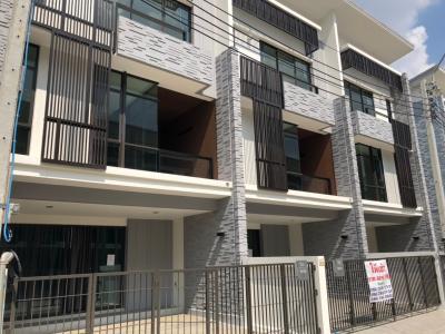 ให้เช่า For rent ราคาพิเศษ ทาวน์โฮมใหม่ 3 ชั้น Plex Bangna ทำเลดี ติดถนน บางนา-ตราด กม.5