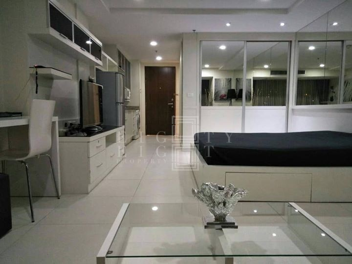 เช่าคอนโดนานา : For Rent The Trendy Condominium ( 35.6 square metres )