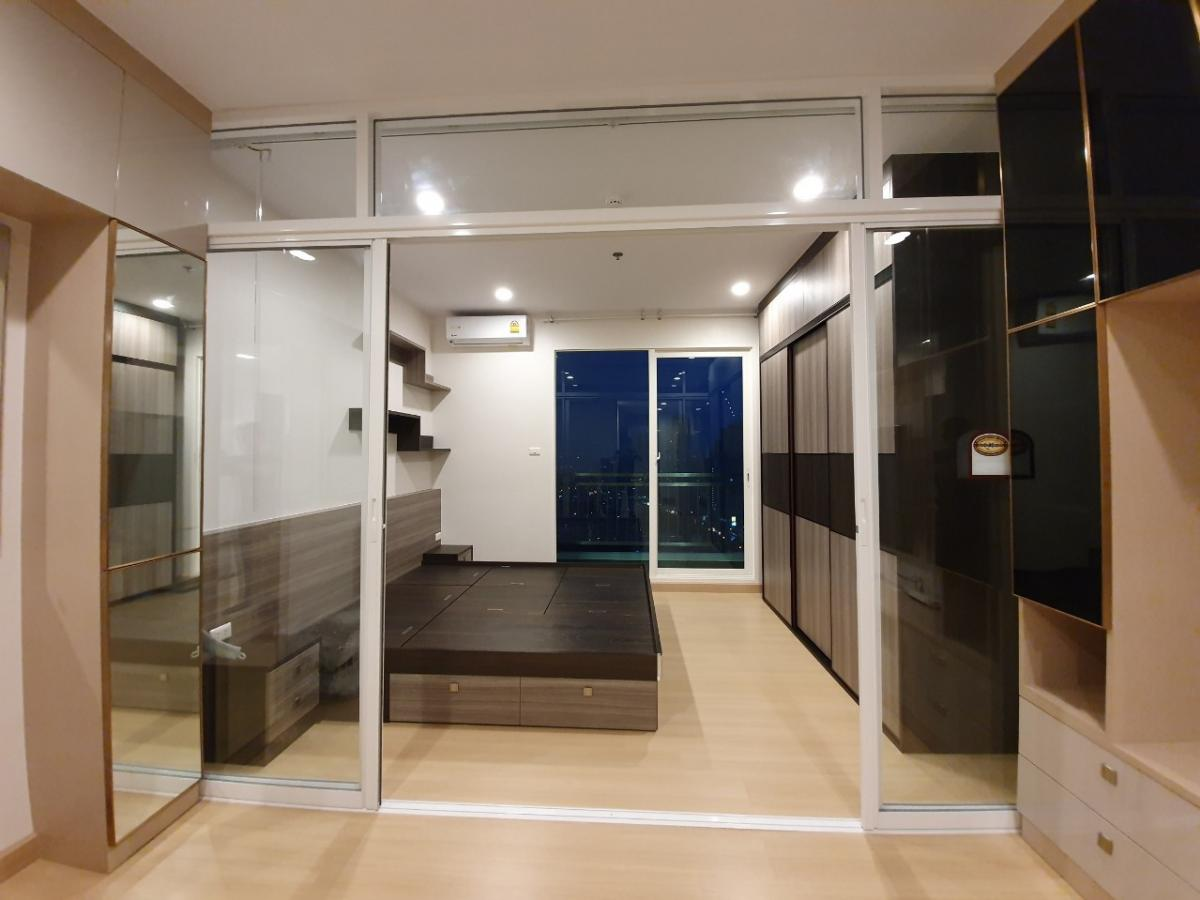 For RentCondoSathorn, Narathiwat : For rent, top floor, Supalai Lite, Ratchada-Narathiwat-Sathorn, 25th floor, size 35 sq. M. Fully furnished, ready to move in