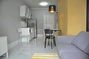 เช่าคอนโดอ่อนนุช อุดมสุข : For Rent A Space Sukhumvit 77 ( 35.5 square metres )