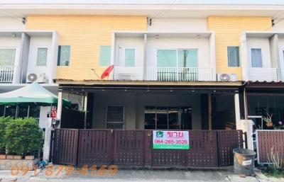 For SaleTownhouseNawamin, Ramindra : Sale Townhome Cheap Sale !! The Connect University, 22 Ramintra - Min Buri, ready to live, very new condition, ready to add to the kitchen