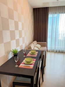 For RentCondoRama9, RCA, Petchaburi : FOR RENT !! The Capital Ekamai-Thonglor 2 beds 2 baths 70sqm. 30,000.- Best room ever !!