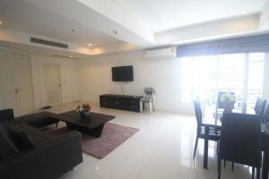 For RentCondoSukhumvit, Asoke, Thonglor : Cat friendly- Urgent for rent 132 sqm unit(3 bedroom)with pool view
