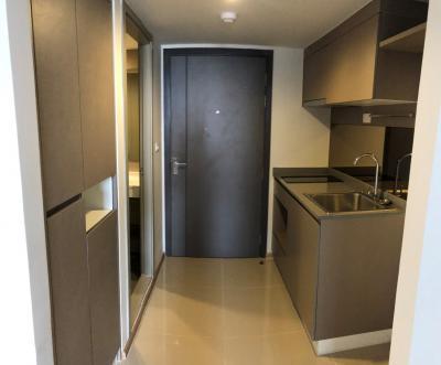 Sale DownCondoRama9, RCA, Petchaburi : Urgent sale at par. Ideo New Rama 9, hybrid room. The price includes no additional stairs.