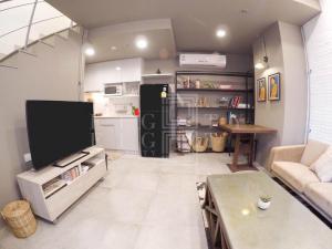 เช่าคอนโดอ่อนนุช อุดมสุข : For Rent Ideo Mobi Sukhumvit 81 ( 45 square metres )