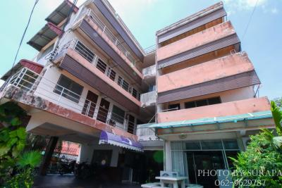 For SaleBusinesses for saleLadkrabang, Suwannaphum Airport : Chalong Krung Dormitory for Sale, Soi 4, Lad Krabang, also near the industrial estate near Suvarnabhumi. Near King Mongkut's Institute of Technology, good return, low cost