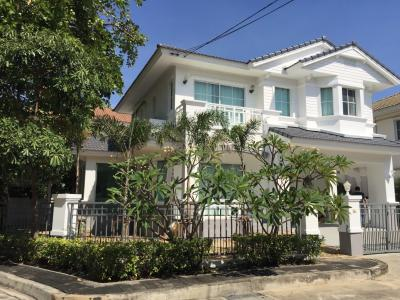 For SaleHouseLadkrabang, Suwannaphum Airport : House for sale   Mantana onut-wangweang 1 village area is 79 sqw. Fully furnished