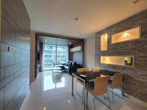 For SaleCondoChonburi, Pattaya, Bangsa : Best Deal ! 2b2b fully furnished APUS condo For sale only 4.98mb (WC1004)