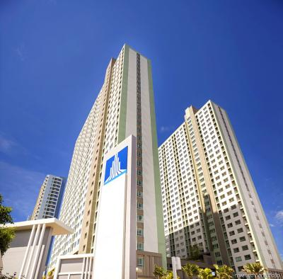 For SaleCondoPattaya, Bangsaen, Chonburi : Urgent sale, beachfront condo, fully furnished, ready to move in, new condition, inexpensive