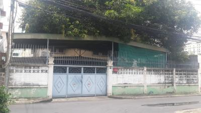 For SaleHouseSathorn, Narathiwat : House and land Soi Narathiwatratchanakharin 61 sq.m .. Suitable for building a new home or Rove